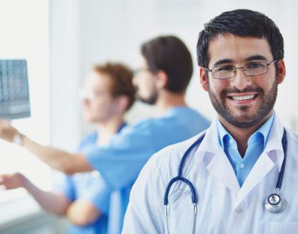 Como o MedEmpregos garante mais oportunidades para os médicos