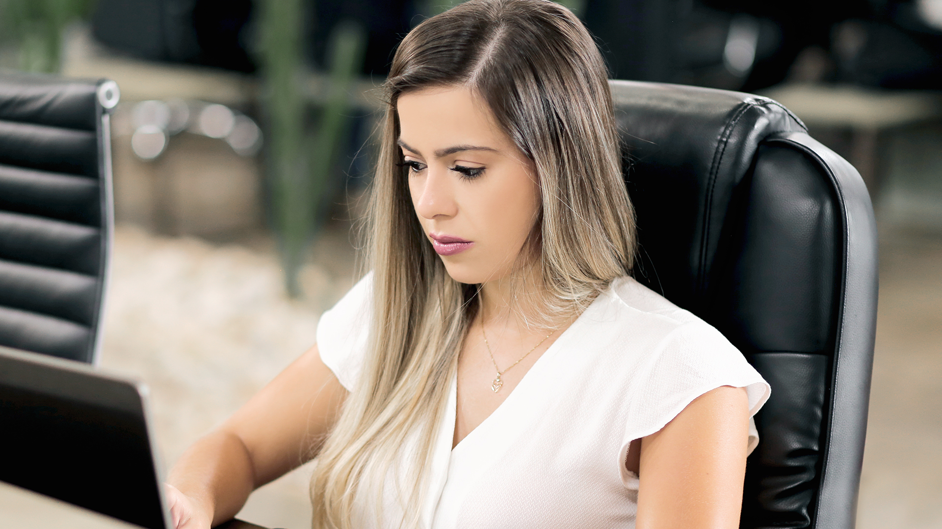 Dra. Mayany Melo, advogada e Diretora de Controladoria da CroSoften.