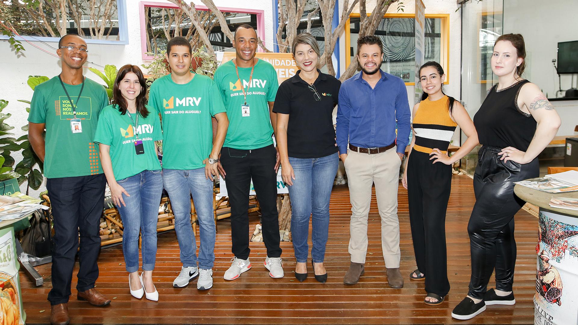 Equipes MRV e CroSoften em ação de marketing interno na sede da CroSoften em Uberlândia
